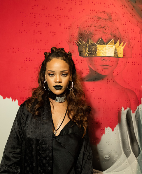 黒「Rihanna's 8th Album Artwork Reveal」:写真・画像(4)[壁紙.com]