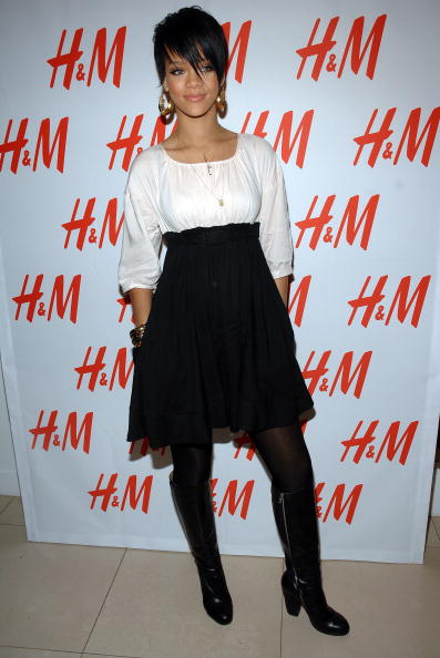 Baby Doll Dress「H&M, Youth AIDS & Rihanna Launch The Fashion Against AIDS Collection」:写真・画像(1)[壁紙.com]