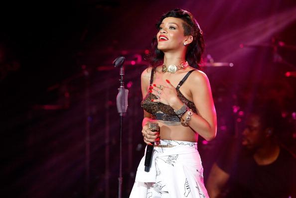 Performance「Rihanna Plays London Leg Of Her 777 Tour」:写真・画像(19)[壁紙.com]