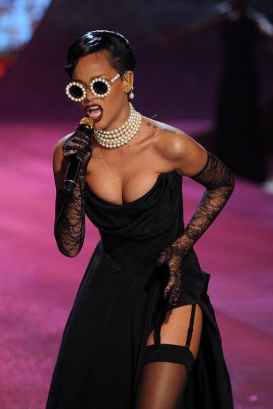 Lace Glove「Victoria's Secret 2012 Fashion Show Runway - Show」:写真・画像(11)[壁紙.com]