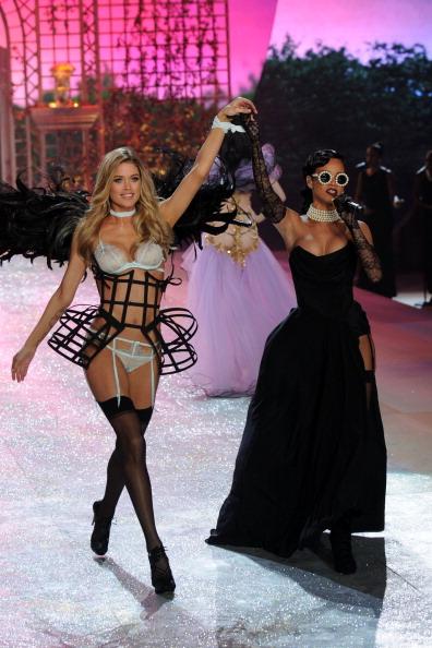 Victoria's Secret Fashion Show「Victoria's Secret 2012 Fashion Show Runway - Show」:写真・画像(4)[壁紙.com]