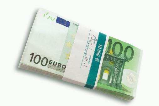 Paying「100 Euro notes」:スマホ壁紙(6)