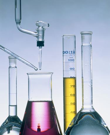 Chemical「Different flasks with fluids」:スマホ壁紙(9)