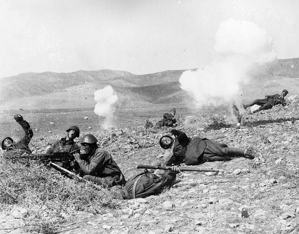 Greece「Throwing Grenades」:写真・画像(19)[壁紙.com]