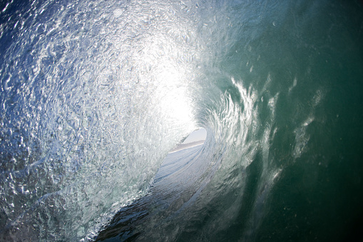 波「Right in the Barrel of the Wave, Brighton Beach, Durban, Kwazulu Natal, South Africa」:スマホ壁紙(16)