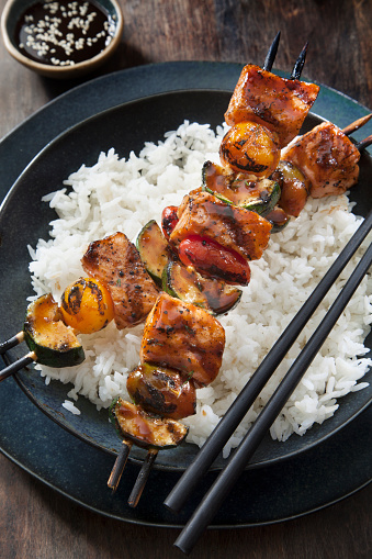 Basmati Rice「BBQ Teriyaki Glazed Salmon Skewers with Zucchini, Tomatoes and Rice」:スマホ壁紙(14)