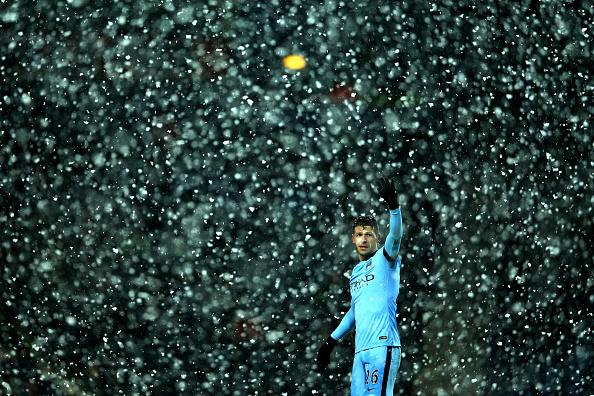 Snow「West Bromwich Albion v Manchester City - Premier League」:写真・画像(15)[壁紙.com]