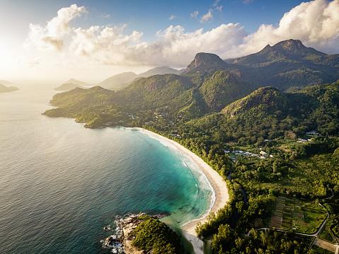 Indian Ocean「Seychelles Grand Anse Mahe Island Beach and Mountains Aerial View」:スマホ壁紙(8)