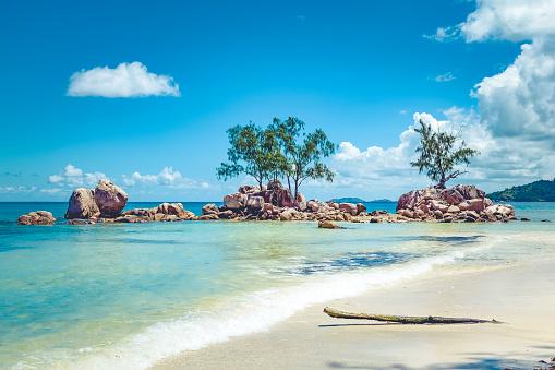 Boulder - Rock「seychelles praslin island hidden dream beach」:スマホ壁紙(9)