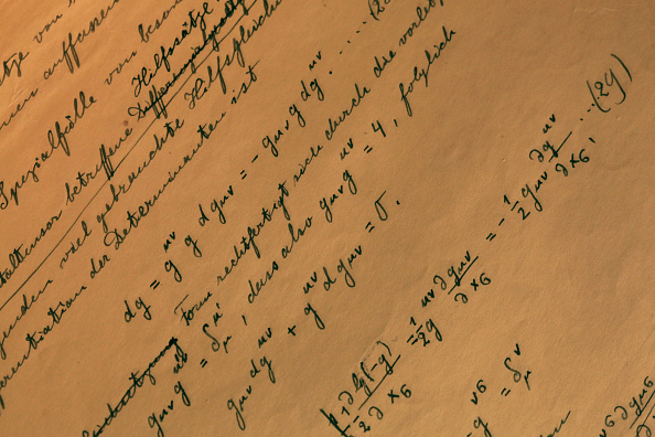 Mathematical Symbol「Einstein's General Theory Of Relativity On Show In Israel」:写真・画像(6)[壁紙.com]
