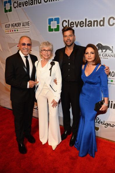 "MGM Grand Garden Arena「Keep Memory Alive's 18th Annual ""Power Of Love"" Gala Honoring Gloria And Emilio Estefan Jr. - Red Carpet」:写真・画像(10)[壁紙.com]"
