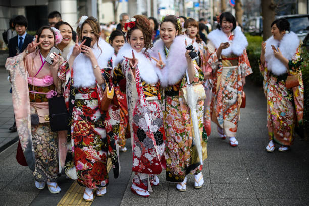 Japan「Japanese 20 Year-Olds Celebrate Coming Of Age」:写真・画像(15)[壁紙.com]