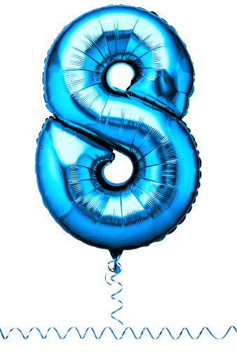 数字の8「Blue balloon in the shape of a number eight」:スマホ壁紙(10)