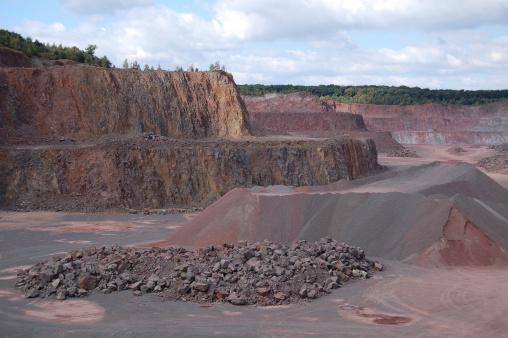 火山岩「クォーリードイツで」:スマホ壁紙(13)