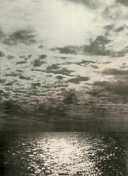 Horizon「A Cloud Effect Before The Sea Froze Over」:写真・画像(15)[壁紙.com]