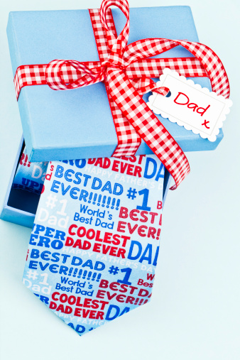 父の日「パパのためのふざけたギフト」:スマホ壁紙(10)