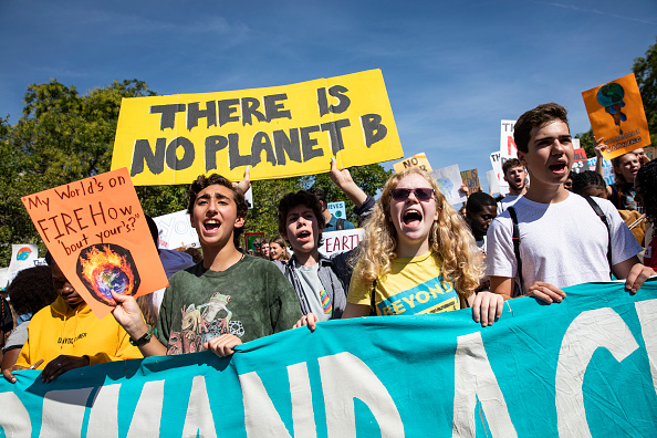 Activist「Thousands Of Americans Across The Country Participate In Global Climate Strike」:写真・画像(3)[壁紙.com]