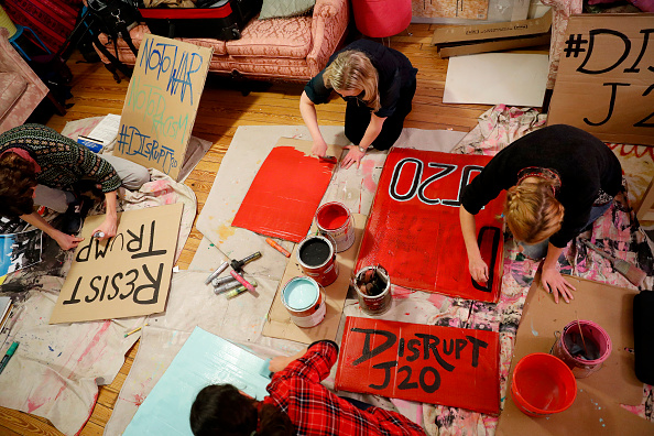 Aaron P「Anti-Trump Protesters Gather To Plan And Make Signs For Inauguration Demonstration」:写真・画像(19)[壁紙.com]
