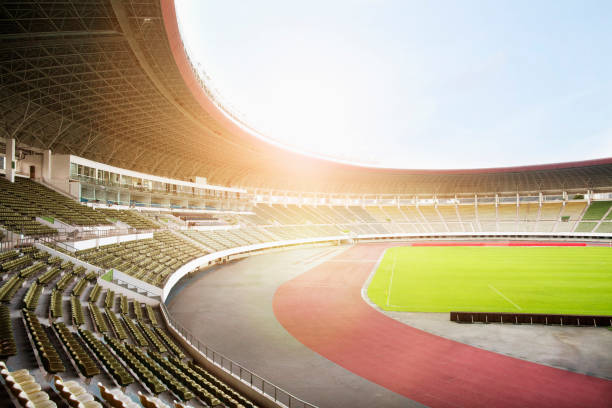 Spotlights and floodlights at a stadium:スマホ壁紙(壁紙.com)