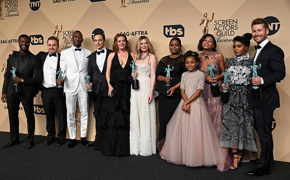 ダービーシューズ「The 23rd Annual Screen Actors Guild Awards - Press Room」:写真・画像(9)[壁紙.com]