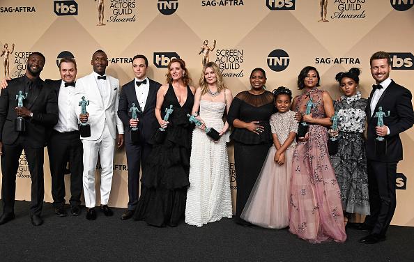 ダービーシューズ「The 23rd Annual Screen Actors Guild Awards - Press Room」:写真・画像(15)[壁紙.com]