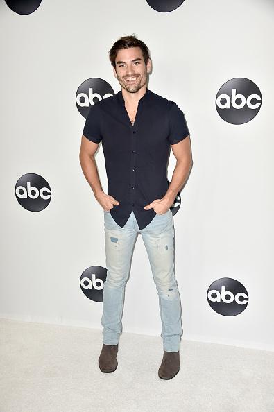 Suede「Disney ABC Television Hosts TCA Summer Press Tour - Arrivals」:写真・画像(13)[壁紙.com]