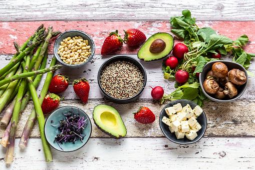 Pine Nut「Fresh ingredients for a veggie bowl」:スマホ壁紙(5)