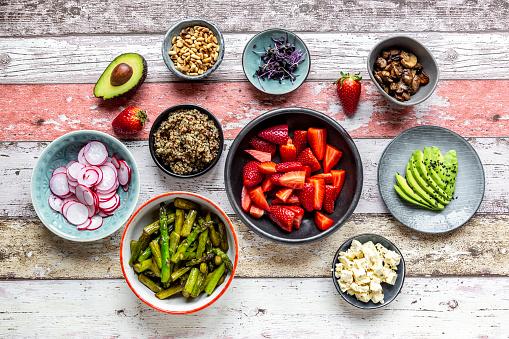 Pine Nut「Fresh ingredients for a veggie bowl」:スマホ壁紙(3)