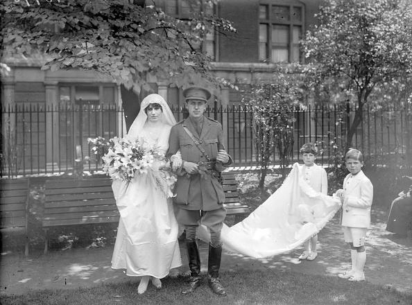 Wedding Dress「Bride And Groom」:写真・画像(5)[壁紙.com]