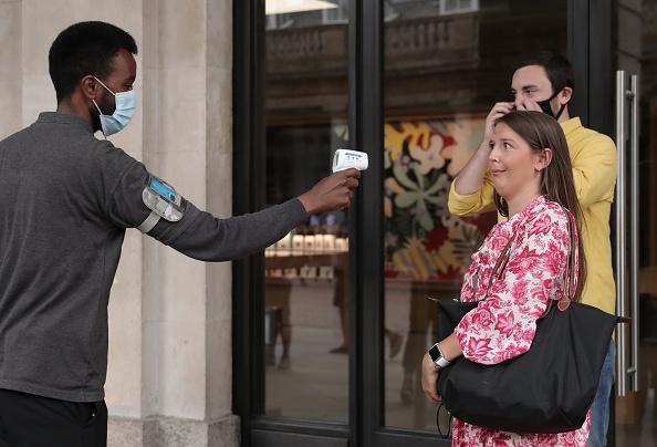 Bestof「UK Non-essential Retailers Reopen To Shoppers As Coronavirus Lockdown Eases Further」:写真・画像(19)[壁紙.com]