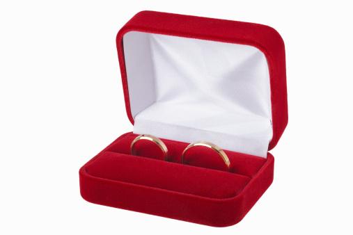 ベロア「Wedding rings in red case」:スマホ壁紙(3)