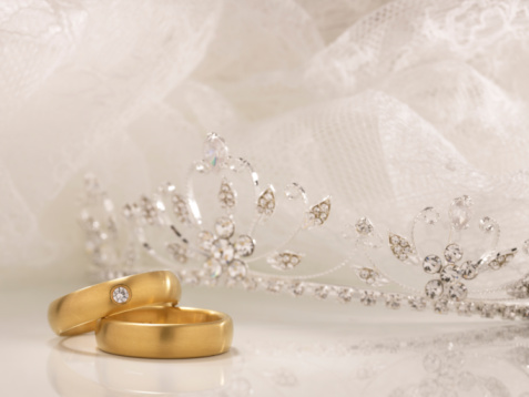 Crown - Headwear「Wedding rings, crown and white lace」:スマホ壁紙(5)