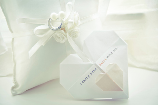 Married「Wedding Ring Pillow and Origami Invitation」:スマホ壁紙(12)