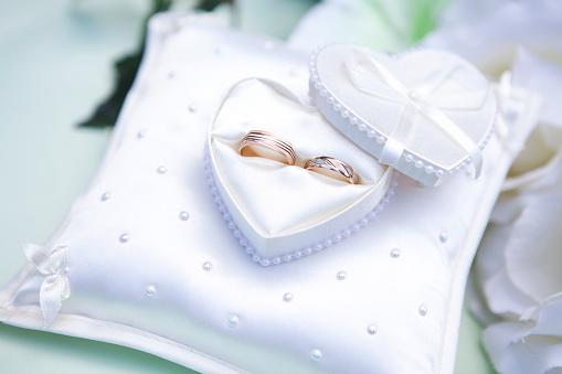 Pillow「Wedding Rings」:スマホ壁紙(3)