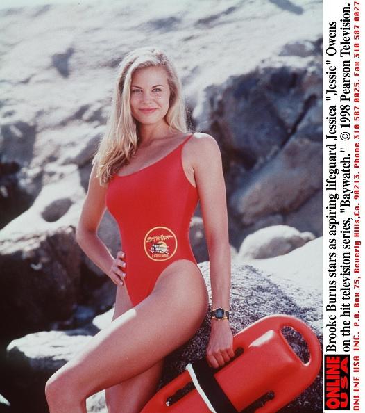 1990-1999「Brooke Burns Stars As Aspiring Lifeguard Jessica Jessie Owens On The Hit Television Series Baywa」:写真・画像(12)[壁紙.com]