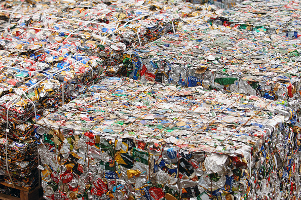 Recycling「Crushed tin cans in bales at a metal recycling facility on the dockside at a port in Newport, South Wales, UK」:写真・画像(17)[壁紙.com]