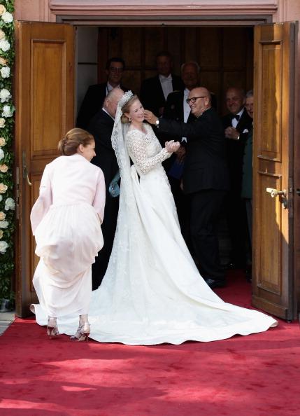 Waiting「Princess Nathalie Zu Sayn-Wittgenstein-Berleburg Marries Alexander Johannsmann」:写真・画像(4)[壁紙.com]