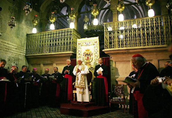 Old Town「Pope Benedict XVI Visits Jerusalem's Church Of The Holy Sepulchre」:写真・画像(19)[壁紙.com]