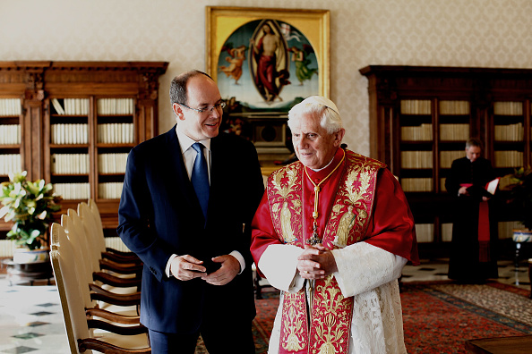Franco Origlia「Pope Meets With Prince Albert of Monaco」:写真・画像(9)[壁紙.com]