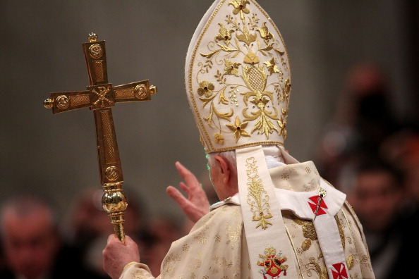 Togetherness「Pope Benedict XVI Celelebrates Christmas Night Mass」:写真・画像(16)[壁紙.com]