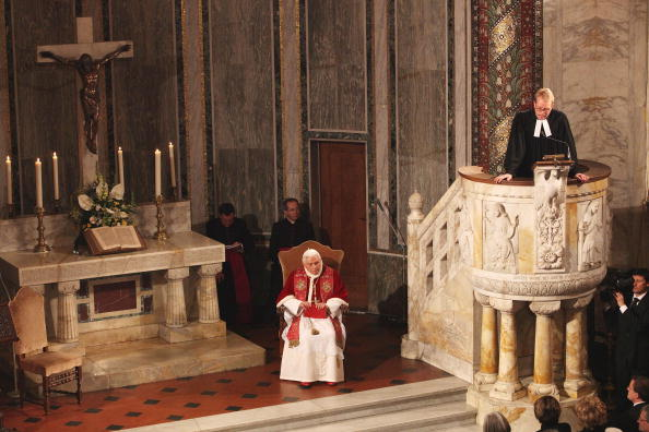 Preacher「Pope Visits The Evangelic Lutheran Church Of Rome」:写真・画像(0)[壁紙.com]