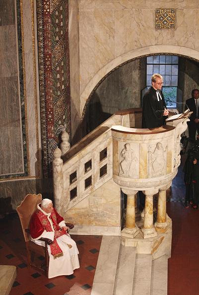 Preacher「Pope Visits The Evangelic Lutheran Church Of Rome」:写真・画像(1)[壁紙.com]