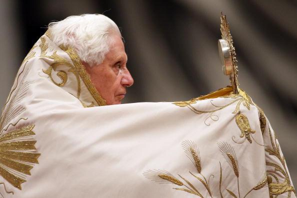 Franco Origlia「Pope Benedict XVI Celebrates First Vespers And Te Deum Prayers」:写真・画像(19)[壁紙.com]
