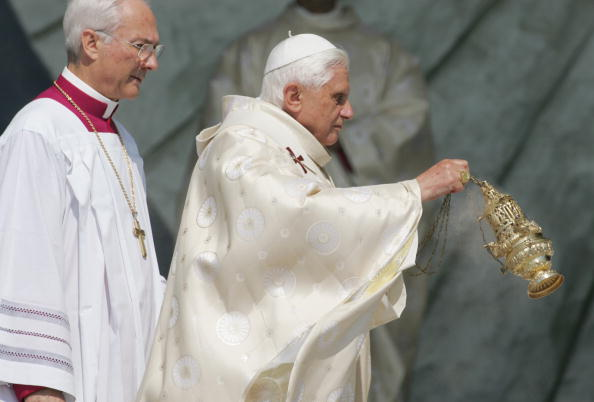 Marco Di Lauro「Pope Benedict XVI Makes First Oficial Trip To Bari」:写真・画像(7)[壁紙.com]