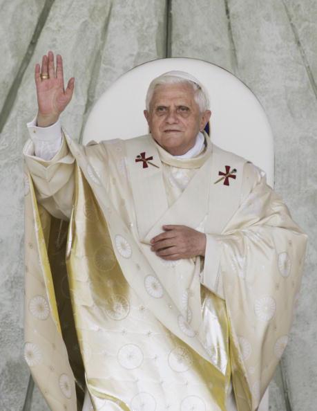 Marco Di Lauro「Pope Benedict XVI Makes First Oficial Trip To Bari」:写真・画像(6)[壁紙.com]