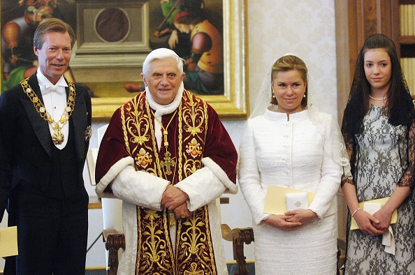 Franco Origlia「Pope Meets Henri and Maria Teresa Grandukes of Luxemburg」:写真・画像(12)[壁紙.com]