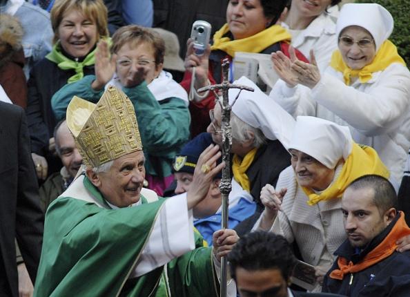 Stringer「Pope Benedict XVI Visits Verona」:写真・画像(18)[壁紙.com]