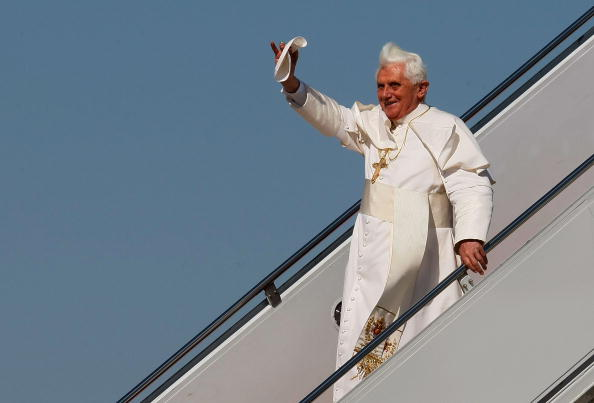 Joint Base Andrews「Pope Benedict XVI Arrives In The U.S」:写真・画像(9)[壁紙.com]