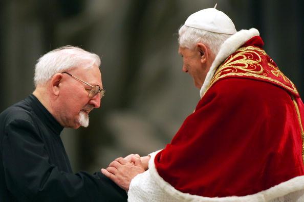 Franco Origlia「Society Of Jesus Celebrates Jubilee Year 2006 At Vatican」:写真・画像(18)[壁紙.com]