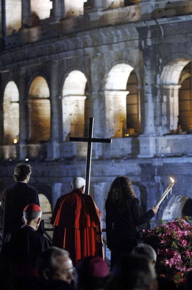 Franco Origlia「Christians Mark Good Friday In Rome」:写真・画像(17)[壁紙.com]